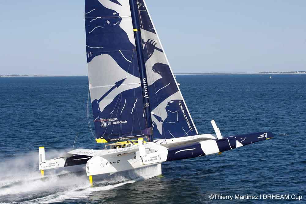 マキシトライマラン2艇が世界一周最短最速記録に挑戦中